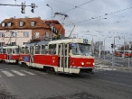 101-prague-trams-on-crossing-strelnicna-15-12-2009