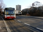 113-prague-bus-arriving-to-stop-sporilov-26-12-2009