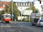 33-tram-near-stop-nadrazi-strasnice-7-9-2006