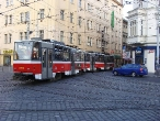 72-prague-tram-on-crossing-andel-29-11-2009