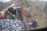 Další vagon na trati.