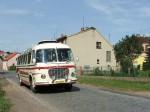 Historický autobus v podobě výletního busu