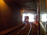 Míjení tramvají linky 17 v ďáblickém tunelu