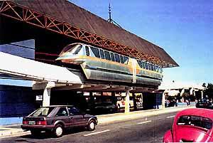 Monorail v Monotrilho de Poços