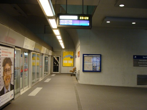 Lausanne - stanice metra linky 2 - Fourmi 11.7.2011