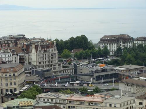 Lausanne - MHD u zast. Lausanne-Flon dne 12.7.2011 z katedrály