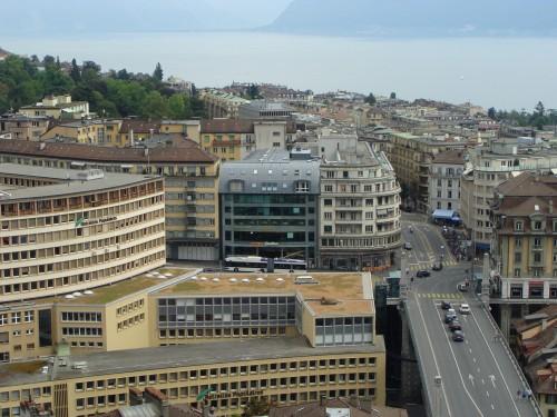 Lausanne - MHD u zast. Bessières dne 12.7.2011 z katedrály