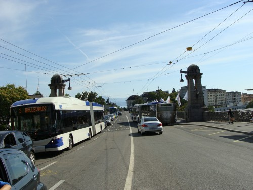 Lausanne - trolejbus č. 3 u zast. Chauderon ( pohled směr zast. Cécil) dne 15.7.2011