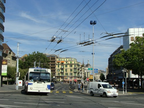Lausanne - MHD u zast. Chauderon (pohled do centra) dne 15.7.2011