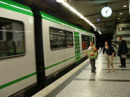 Lausanne - stanice LEB Railway Chauderon dne 15.7.2011 - nová souprava