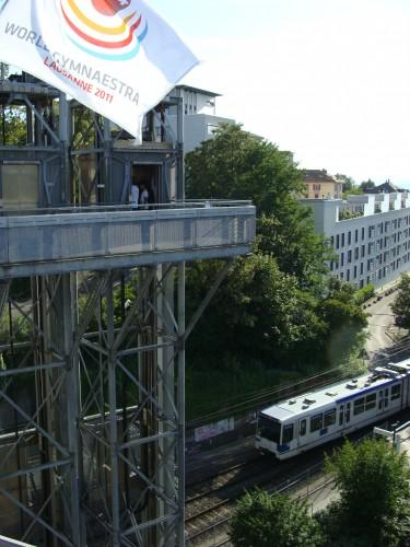 Lausanne - výtah ke stanici metra 1 Vigie na mostě mezi zast. Chauderon a Cécil dne 15.7.2011