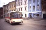 Trolejbus ev.č. 38 vyjíždí z ulice Benešova (rok 1992)