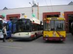 38 ve společnosti prototypu trolejbusu 26Tr Solaris č. 68 v rámci Oslav 100 let MHD v Jihlavě