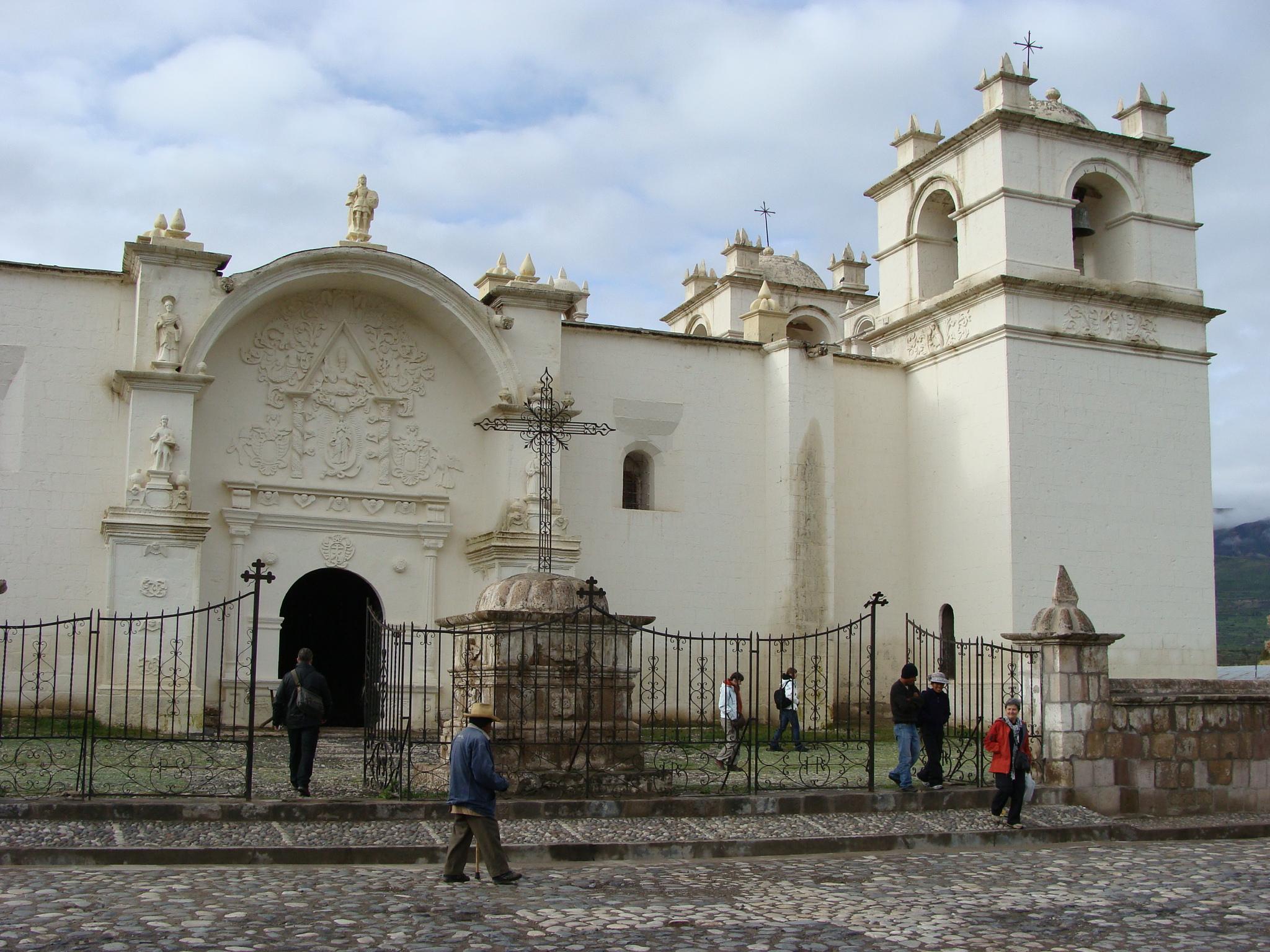 Coparaci - kostel Tempo de Yanque dne 19. 2. 2012 7:14