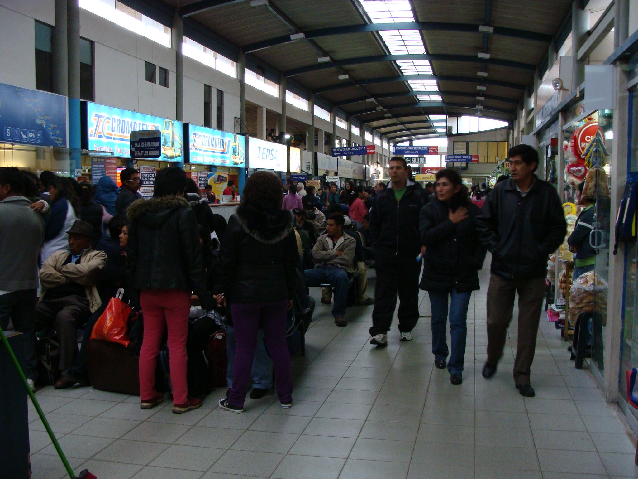 Arequipa - autobusové nádraží 20. 2. 2011 16:20