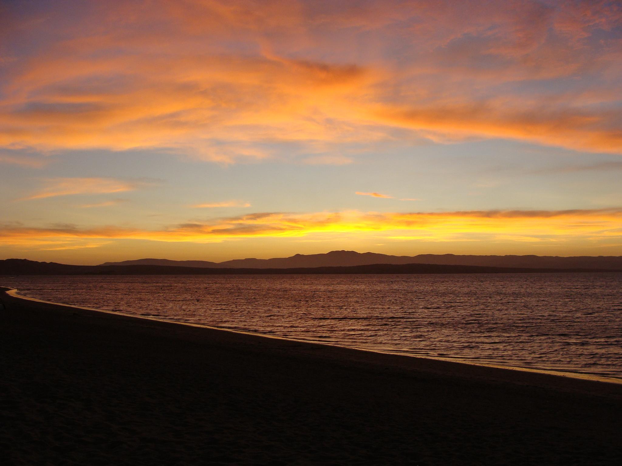 Paracaský záliv po západu slunce 21. 2. 2011 18:43
