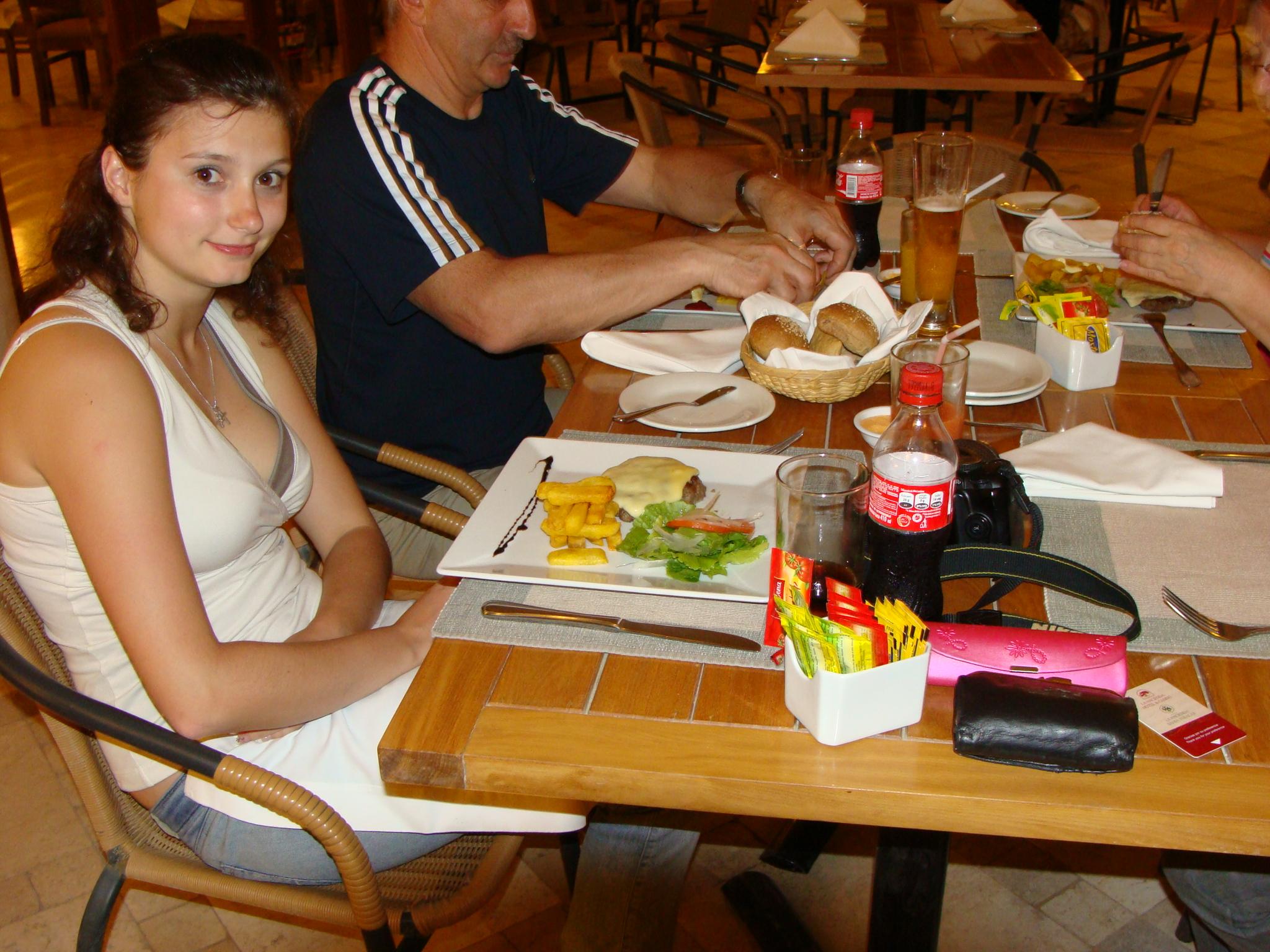 Paracas - při večeři 21. 2. 2011 20:26