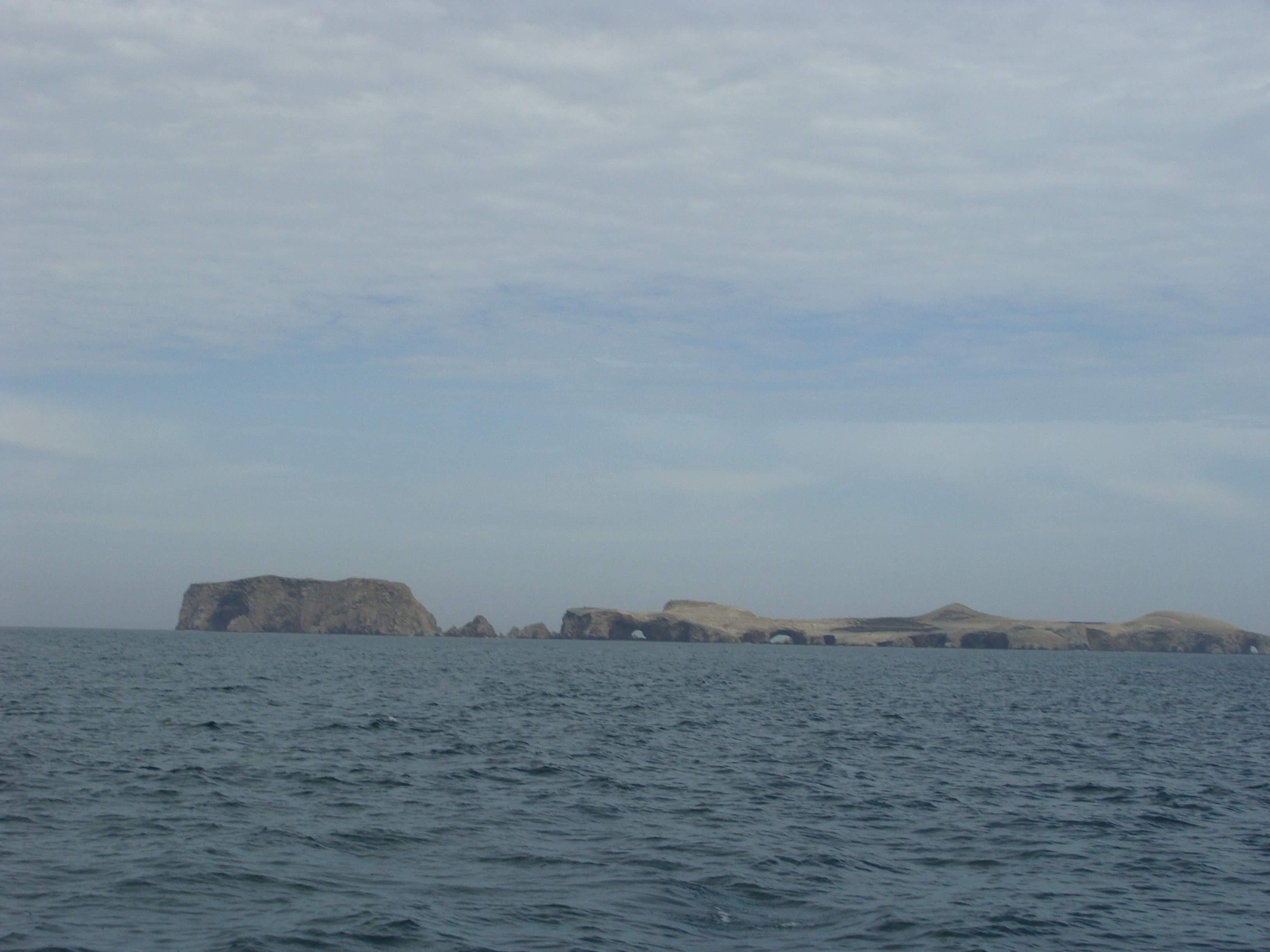 Na obzoru je národní rezervace Islas Balestas 22. 2. 2011