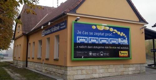 Antiželezniční reklama ČESMADu z podzimu 2011