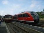 Ruch na nádraží ve Vejprtech.