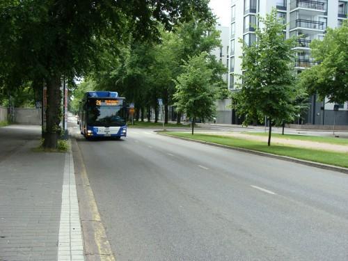Autobus linky č. 24, využívají turisté a místní k cestě do skanzenu.