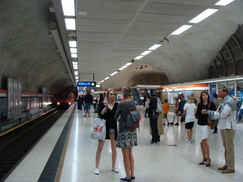 Stanice metra Kamppi.
