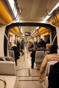 V tramvaji č. 1 typu CaF Urbos. Je to nejdelší tramka na světě. 1. 12. 2018. 21:01 hod.