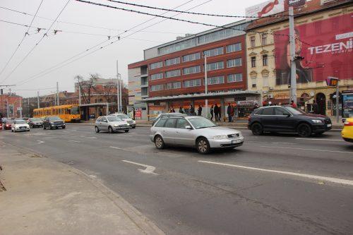 Budapeštská tramvaj u zastávky Puskás Ferenc Stadion 2. 12. 2018..