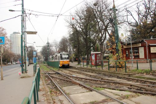 Tramvaj typu T5C5K na lince č. 61 v zastávce Szént János Kozspont 2. 12. 2018.