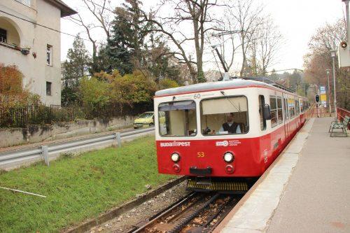 Stanice ozubnicové železnice linky č. 60 Szént János Kozspont.