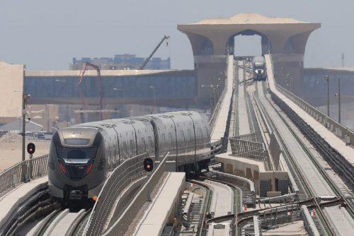 Souprava metra v katarském hlavním městě Dauhá